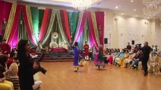 Best Mehndi Dance 2016 - Sameer and Sidra