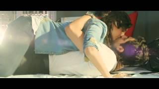 Sonam kapoor hot kiss Full HD