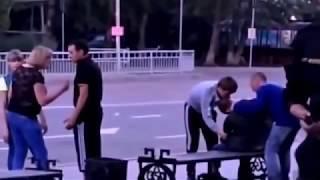Girls street fight. Women VS Men. Women are winning. Женщины побеждают в драке мужчин.