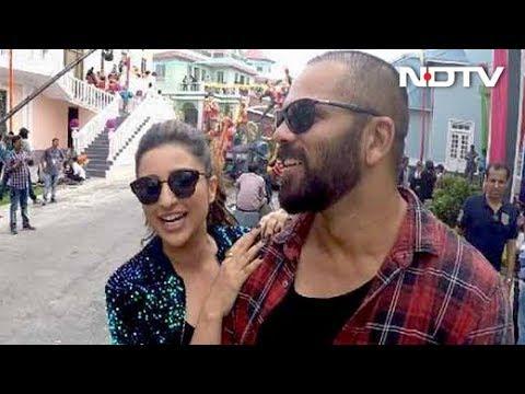 Xxx Mp4 Exclusive Rohit Shetty Parineeti Chopra On The Sets Of Golmaal Again 3gp Sex