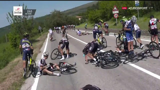 Crash Giro d'Italia stage 9 because of a motorbike | HD