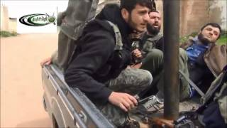 حماه كفرنبودة لحظة سقوط البراميل المتفجرة عند دخول المجاهدين على البلدة 26-3-2013