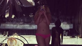 Christina Aguilera Posts Topless Instagram Pic!