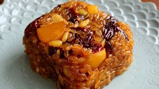 Yaksik (Sweetened Rice with Dried Fruits & Nuts: 약식)
