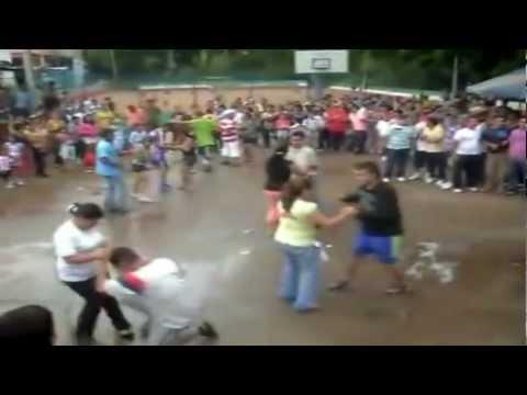 Asi se Baila La cumbia En Bucaramanga Javier Martinez ft Jerry Jhons Noche De Tropi Mix Dj Dal