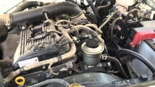 كيف تعرف الفرق بين الهايلوكس بمحرك ٢٠٠٠ و٢٧٠٠