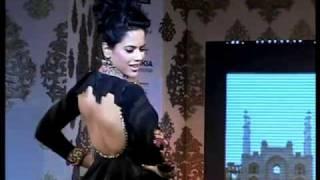 Sameera Reddy walks the ramp for Shabana Azmi's fundraising fashion show
