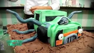 Ignacio Baladan prepara torta alienígena por Monster Trucks