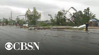 Violent tornado tears through Jefferson City