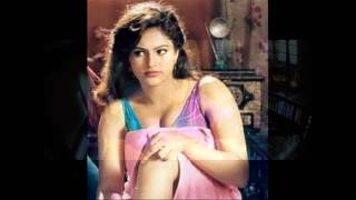 Hot Raasi Showing her Hot