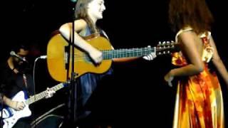 Mallu Magalhães e Vanessa da Mata - Shine Yellow