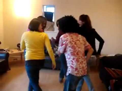 MeDo AbHa رقص السامبا السعوديه في الخارج