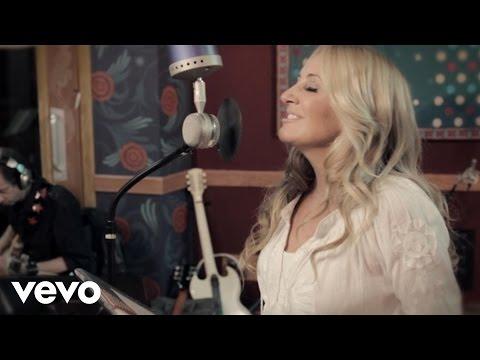 Lee Ann Womack - Send It On Down