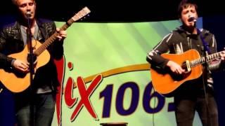 Parachute - Kiss Me Slowly (Live/Acoustic)