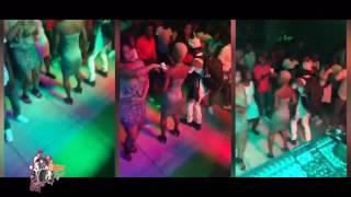 DJ Arafat sur la  platine au Mix Night Club