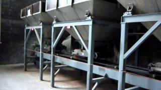 Packaging machinery line for fertilizers
