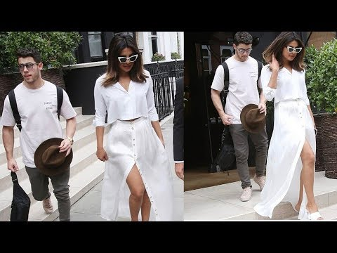Xxx Mp4 Priyanka Chopra Looks Queen In 11 Crore Birthday Dress Gifted By Bf Nick Jonas 😍 3gp Sex