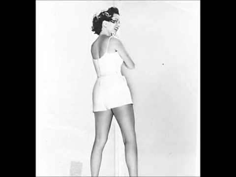 The Great Gildersleeve: Leila Returns / The Waterworks Breaks Down / Halloween Party