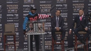 Floyd Mayweather Says Conor 'Mr. Tapout' McGregor Likes To Quit | ESPN