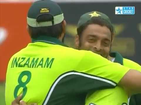 Shoaib Akhtar 4 28 vs England 2nd ODI 2006 Lord s
