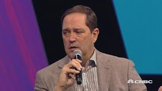 Cisco CEO: Tech industry should work more with regulators | In The News