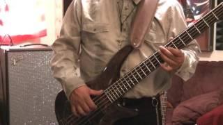 Geovanna Leal- (El pobre rico) bass cover