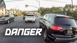 NO SIGNAL NO CARE (Lane splitting dangers)