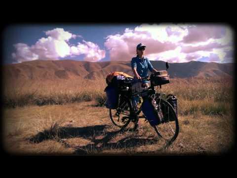 Grey Wolf Dogtrekking Watahy w Mongolii