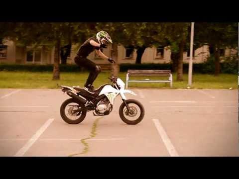 SUNNY SUNDAY STUNT (HD)  - Yamaha XT125X