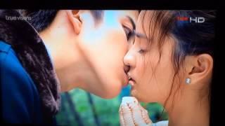 Fullhousethai kissing ice cream