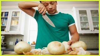 هل تعلم لماذا تنهمر دموعنا عند تقطيع البصل؟