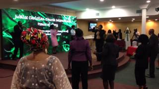 Jubilee Voices - COME LET'S PRAISE THE LORD