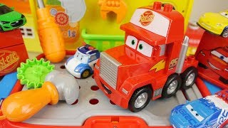 Cars truck tool station play and Poli robocar toys play