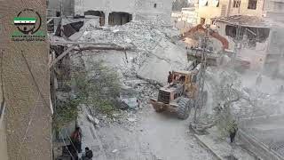 أنهيار بناء كامل مؤلف من 6 طوابق بعد قصف بالطيران الروسي وأرتكاب مجزرة بعائلة بيت كبريتة
