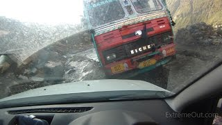 Angry truck driver in Himalayas wanted to hit a car