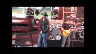 Trace Adkins at the 2013 Troy Fair - Swing