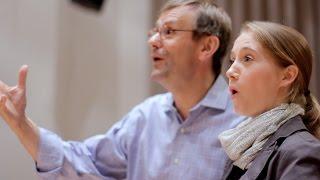 """""""How lovely, how lovely"""" – Meisterkurs Chordirigieren mit Simon Halsey"""
