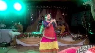 Bangladeshi Wedding-Holud Dance 'Biye Bari' (Dance-1)