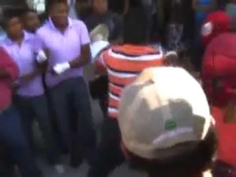 Peleas en honor a Tláloc animan Carnaval de Zitlala Guerrero
