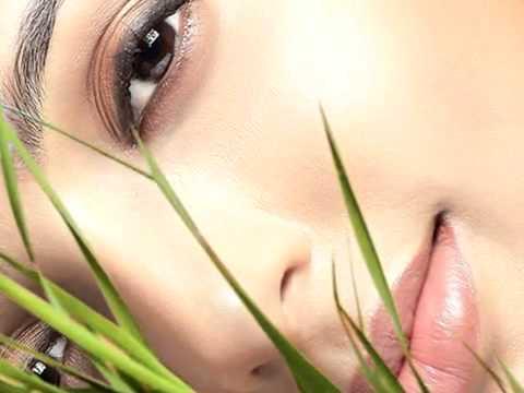Nasrin Akhter Beauty, Bangla Folk Song   Amar Mon Mojilo Go Bondur O Pirite