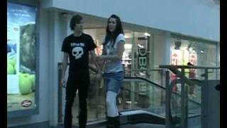 Avril Lavigne - Girlfriend Music Video