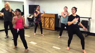 Dil Mein Baji Guitar - Bollywood Fusion class at Pineapple Studios