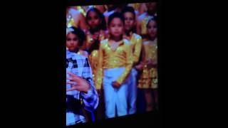 Kid does pee pee dance