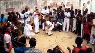 Capoeira Raízes do Brasil na África.AVI