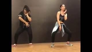 Chadhti jawani meri chaal mastani...... Retro mix... Dance by sandeepa dhar