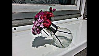 Light Bulb Vase DIY -recycle broken light bulb
