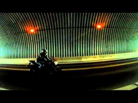 Yamaha R6 in a tunnel!!! HD