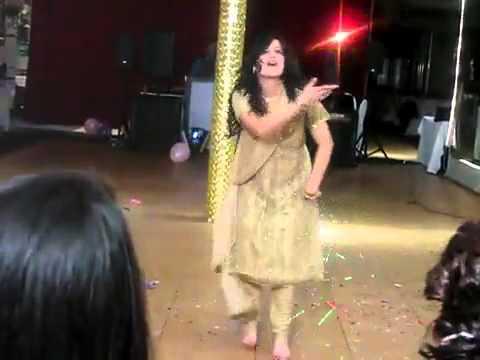 Best Pakistani Girls Dance on Mehandi Wedding Dance