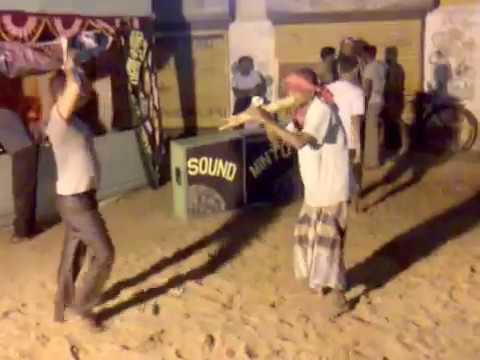 Funny indian nagin dance ....