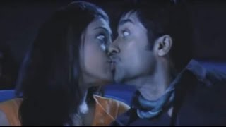 How kissing scene shot in FIlm